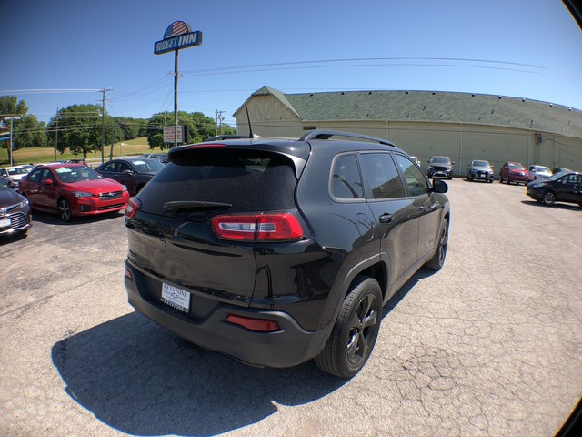 Pre-Owned 2016 Jeep Cherokee Altitude