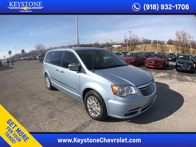 Pre Owned 2016 Chrysler Town Country Limited
